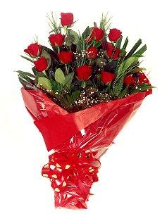 12 adet kirmizi gül buketi  Mardin çiçekçiler