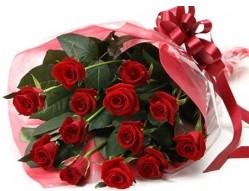 Mardin anneler günü çiçek yolla  10 adet kipkirmizi güllerden buket tanzimi