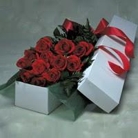 Mardin online çiçek gönderme sipariş  11 adet gülden kutu