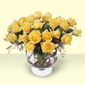Mardin çiçekçi telefonları  11 adet sari gül cam yada mika vazo içinde
