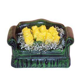 Seramik koltuk 12 sari gül   Mardin ucuz çiçek gönder