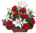 sepette gül ve kazablankalar   Mardin çiçekçi mağazası
