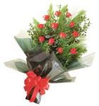 12 adet kirmizi gül buketi   Mardin çiçekçi mağazası