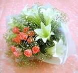 Mardin çiçek yolla  lilyum ve 7 adet gül buket