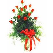 12 adet kirmizi gülden buket   Mardin çiçek yolla