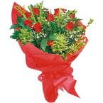 10 adet kirmizi gül buketi  Mardin çiçek yolla