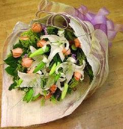 Mardin internetten çiçek satışı  11 ADET GÜL VE 1 ADET KAZABLANKA