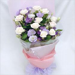 Mardin internetten çiçek satışı  BEYAZ GÜLLER VE KIR ÇIÇEKLERIS BUKETI