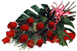 10 adet gül buketi sade ve sik bir haldedir  Mardin çiçekçi mağazası