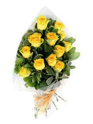 Mardin güvenli kaliteli hızlı çiçek  12 li sari gül buketi.