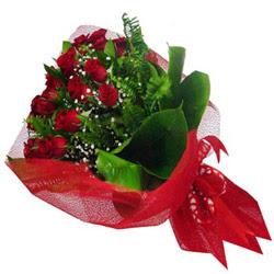 Mardin kaliteli taze ve ucuz çiçekler  12 adet kirmizi essiz gül buketi - SEVENE ÖZEL