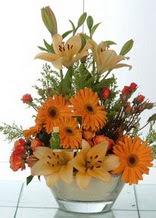 Mardin çiçek servisi , çiçekçi adresleri  cam yada mika vazo içinde karisik mevsim çiçekleri