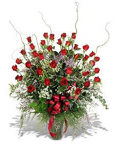 Mardin çiçek siparişi sitesi  33 adet kirmizi gül vazo içerisinde
