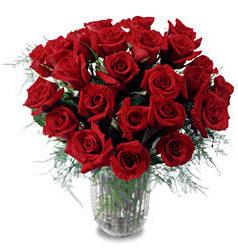Mardin çiçek gönderme sitemiz güvenlidir  11 adet kirmizi gül cam yada mika vazo içerisinde