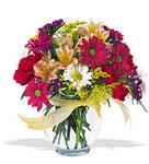 Mardin çiçek , çiçekçi , çiçekçilik  cam yada mika vazo içerisinde karisik kir çiçekleri