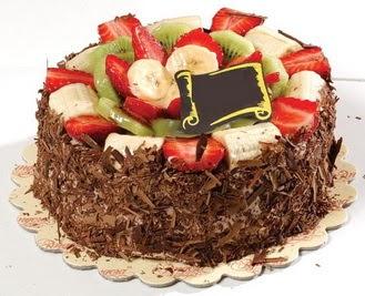 pastaci firmasindan 4 ile 6 kisilik çikolata meyvali yaspasta  Mardin çiçek siparişi sitesi