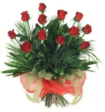 Çiçek yolla 12 adet kirmizi gül buketi  Mardin güvenli kaliteli hızlı çiçek