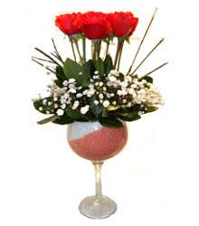 Mardin çiçekçiler  cam kadeh içinde 7 adet kirmizi gül çiçek