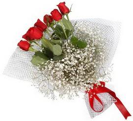 7 adet essiz kalitede kirmizi gül buketi  Mardin hediye sevgilime hediye çiçek