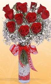 10 adet kirmizi gülden vazo tanzimi  Mardin çiçek siparişi sitesi