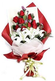 Mardin hediye çiçek yolla  9 adet gül 2 adet kazablanka buketi