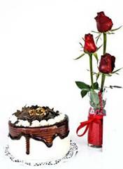 Mardin çiçek siparişi vermek  vazoda 3 adet kirmizi gül ve yaspasta