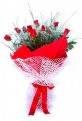 Mardin İnternetten çiçek siparişi  9 adet kirmizi gül buketi demeti