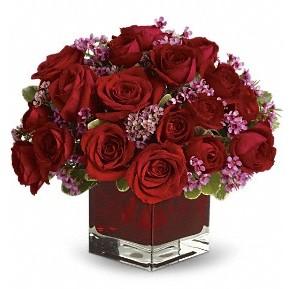 11 adet kırmızı gül vazosu  Mardin çiçekçiler