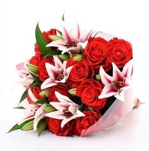 Mardin çiçek siparişi vermek  3 dal kazablanka ve 11 adet kırmızı gül
