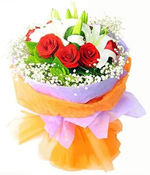 Mardin çiçek gönderme sitemiz güvenlidir  1 dal kazablanka 7 adet kırmızı gül buketi