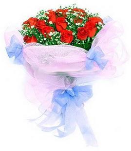Mardin çiçek siparişi sitesi  11 adet kırmızı güllerden buket modeli