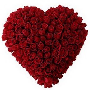 Mardin çiçekçi mağazası  muhteşem kırmızı güllerden kalp çiçeği