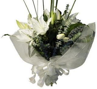 Mardin çiçekçi mağazası  2 dal kazablanka çiçek buketi