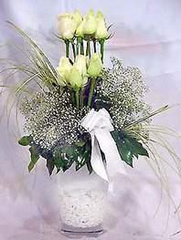 Mardin online çiçek gönderme sipariş  9 adet vazoda beyaz gül - sevdiklerinize çiçek seçimi