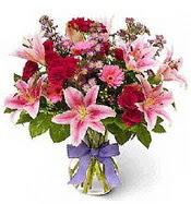 Vazo içerisinde karışık mevsim çiçeği  Mardin çiçek siparişi sitesi