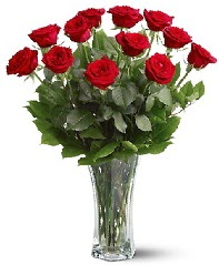 11 adet kırmızı gül vazoda  Mardin internetten çiçek siparişi