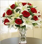12 adet kırmızı gül 2 dal kazablanka vazosu  Mardin çiçek satışı