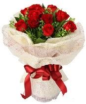 12 adet kırmızı gül buketi  Mardin anneler günü çiçek yolla