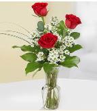 Vazo içerisinde 3 adet kırmızı gül  Mardin çiçek satışı