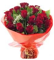 12 adet görsel bir buket tanzimi  Mardin çiçek siparişi vermek