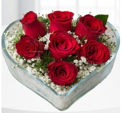 Kalp içerisinde 7 adet kırmızı gül  Mardin çiçek servisi , çiçekçi adresleri