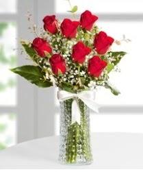7 Adet vazoda kırmızı gül sevgiliye özel  Mardin çiçek siparişi sitesi