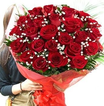 Kız isteme çiçeği buketi 33 adet kırmızı gül  Mardin çiçek gönderme sitemiz güvenlidir