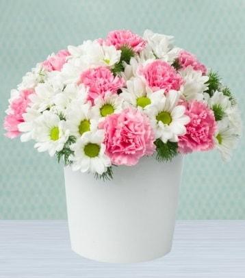 Seramik vazoda papatya ve kır çiçekleri  Mardin çiçek siparişi sitesi