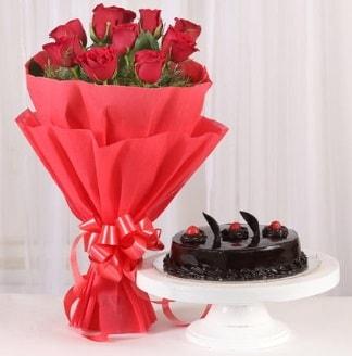 10 Adet kırmızı gül ve 4 kişilik yaş pasta  Mardin internetten çiçek satışı