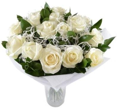 15 beyaz gül buketi sade aşk  Mardin çiçek satışı